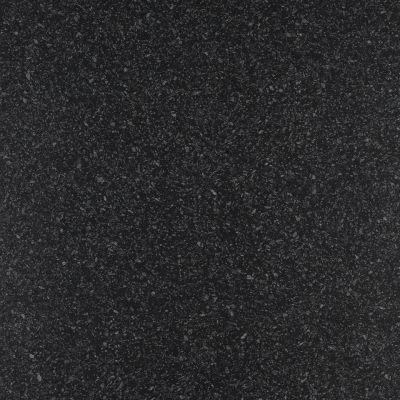 Голубые камушки на чёрном фоне
