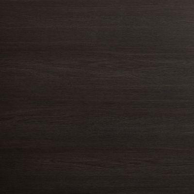 Tamsiai rudas ąžuolas